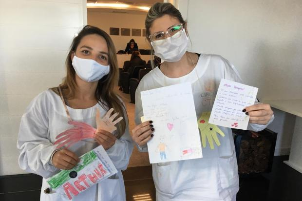 Alunos de escola de Caxias do Sul escrevem 600 cartas para pacientes e profissionais da saúde Luma Leão/Divulgação