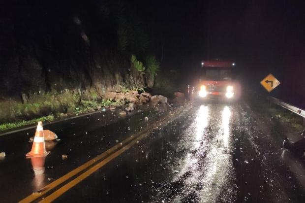 Chuva provoca novas quedas de barreira e exigem atenção dos motoristas na Serra Grupo Rodoviário/Divulgação