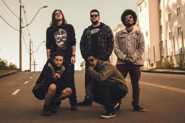 Primeiro EP da banda caxiense TeTo mistura hip hop com algumas paradas sonoras mais pesadas Gabriela Fiorese/Divulgação