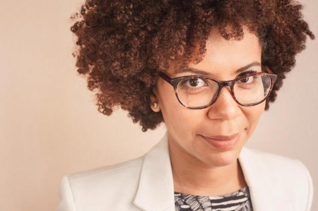"""""""Uma das grandes falácias em torno do racismo é que ele não existe"""", diz escritora Carla Souza/Divulgação"""