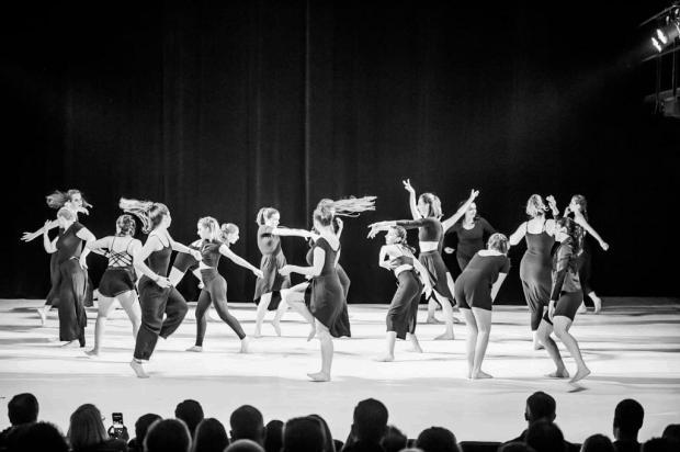 Studio de Danças Camila Oliveira, de Caxias, apresenta espetáculo inédito no dia 31 de julho Micael Oliveira/Divulgação