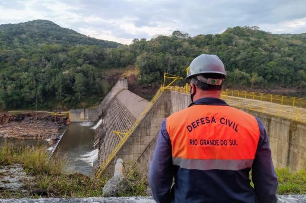 Moradores são retirados de duas casas que ficam nas margens do Rio das Antas devido infiltração em barragem da Serra Defesa Civil/Divulgação