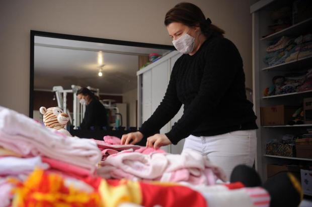 Em Caxias, Projeto Amor Perfeito empresta roupas de bebê para mães sem condições Marcelo Casagrande/Agencia RBS