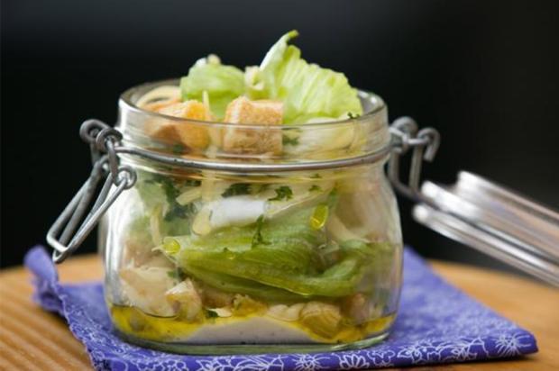 Na Cozinha: aprenda a fazer salada caesar Andreia Graiz  / Agência RBS/Agência RBS