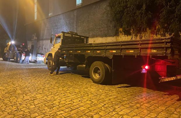 Dupla é presa em Caxias após tentar extorquir dono para devolver caminhão roubado Polícia Civil / Divulgação/Divulgação