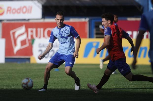 Formado no Grêmio, meia do Caxias projeta decisão do Gauchão contra ex-clube Antonio Valiente/Agencia RBS
