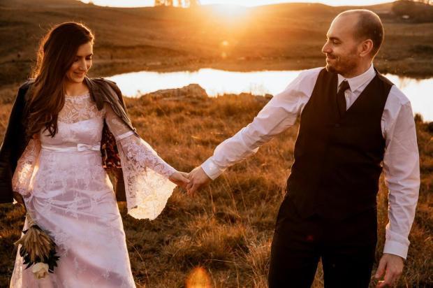 Fotógrafo cria projeto para que casais relembrem a emoção do dia do casamento Samuel Slovinscki Boff/Divulgação