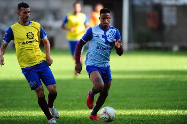 Caxias renova contrato de meia-atacante Porthus Junior/Agencia RBS