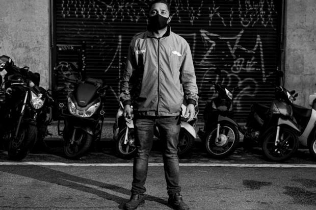 Fotógrafo caxiense Ale Ruaro realiza exposição sobre a pandemia Ale Ruaro/Divulgação