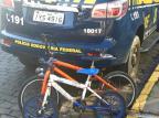 Crianças fogem de casa e são resgatadas andando de bicicleta em rodovia Vacaria Divulgação / Polícia Rodoviária Federal/Polícia Rodoviária Federal