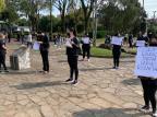 Pais, funcionários e proprietários de escolas infantis fazem manifestação pela volta às aulas em Caxias Júlio Chiappin/Divulgação