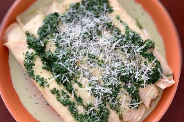 Sem ideias para cozinhar? Panqueca de carne com molho de espinafre e nata é a dica do dia Lela Zaniol / Agência RBS /Agência RBS
