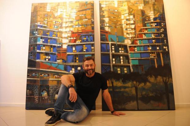 """Artista plástico Marcelo Hübner traz a exposição """"Flores Concretas"""" a Caxias do Sul Marcelo Casagrande/Agencia RBS"""