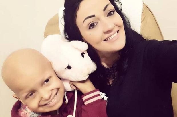 Menina de Caxias do Sul que luta contra um câncer na mandíbula precisa de ajuda para custear exame Arquivo pessoal / Divulgação/Divulgação