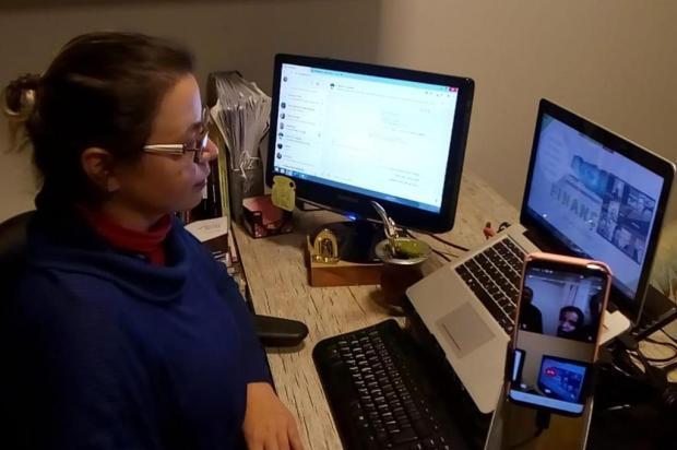 Professora de Flores da Cunha adapta projeto de empreendedorismo para alunos com pouco acesso a internet Arquivo pessoal/Divulgação