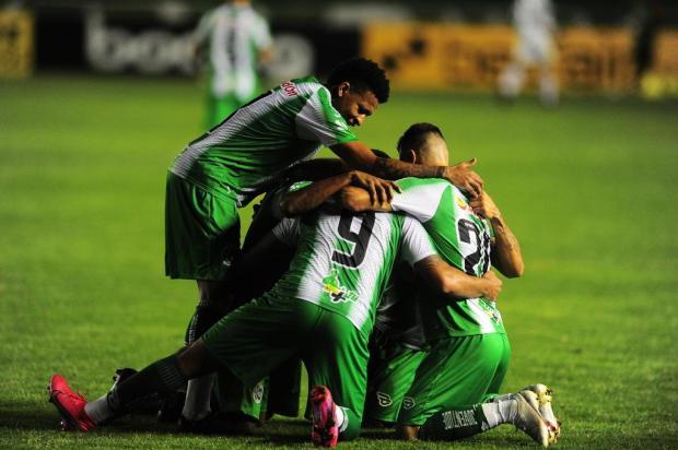 Com gol de Dalberto, Juventude derrota o Operário-PR e entra, momentaneamente, no G-4 Porthus Junior/Agencia RBS