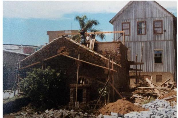 Fogolar, penico, scandole e as casas de antigamente Acervo Museu Municipal de Caxias do Sul/divulgação