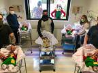 Hospital de Caxias veste recém-nascidos com roupas do Chaves e da Chiquinha em comemoração ao Dia das Crianças Vanessa Galiotto/Divulgação