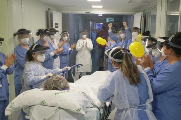 Após 101 dias internado por complicações da covid-19, paciente recebe alta da UTI em Bento Gonçalves Alexandre Brusa/Divulgação