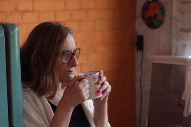 """VÍDEO: assista ao curta """"Eu Violo, Tu Violas"""", com performance de Tina Andrighetti Reprodução/Divulgação"""