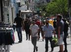 Temperatura amena leva centenas de pessoas ao centro e parques de Caxias do Sul Antonio Valiente/Agencia RBS
