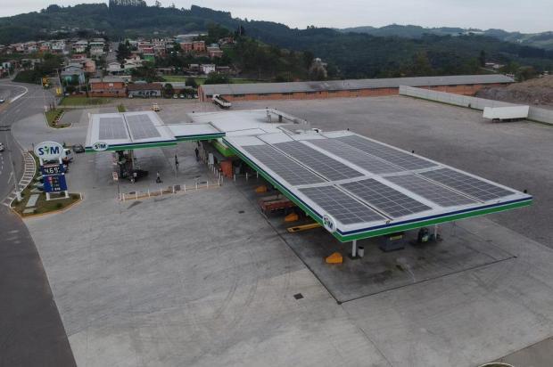 Rede de postos da Serra firma parceria com empresa de Caxias para implantar energia solar Magnani/Divulgação