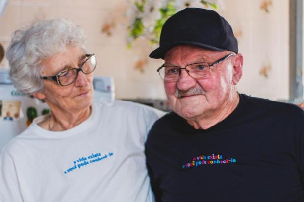 Casal de avós protagoniza campanha de moda em Caxias Gabriel Radaelli/Divulgação