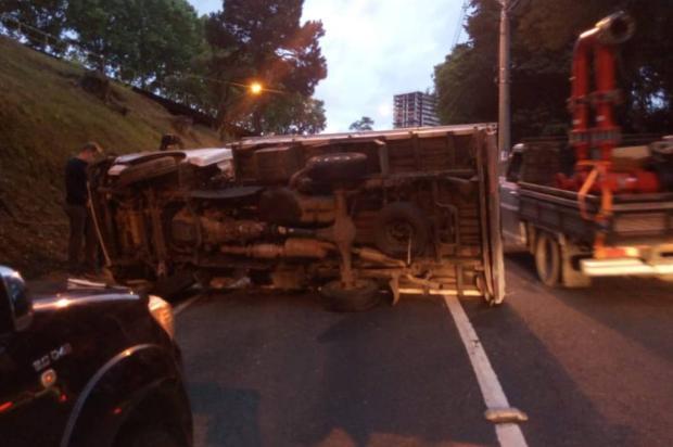 Trânsito é normalizado na Rua Ludovico Cavinato, em Caxias do Sul, após lentidão causada por acidente Divulgação / Fiscalização de Trânsito de Caxias do Sul/Fiscalização de Trânsito de Caxias do Sul