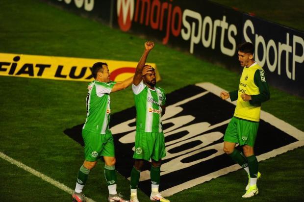 Em noite inspirada, Juventude faz 5 a 0 sobre o Paraná e retorna, momentaneamente, ao G-4 Porthus Junior/Agencia RBS