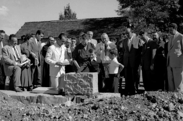 Lançamento da pedra fundamental do Hospital Fátima em 1955 Studio Geremia/Arquivo Histórico Municipal João Spadari Adami,divulgação