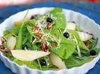 Na Cozinha: aprenda a fazer salada de radite com pera, nozes e mirtilo Carlos Macedo  / Agencia RBS/Agencia RBS
