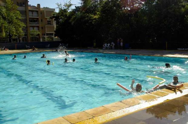 Projeto de lei retira obrigatoriedade de exames médicos em piscinas coletivas em Farroupilha Porthus Junior, BD/