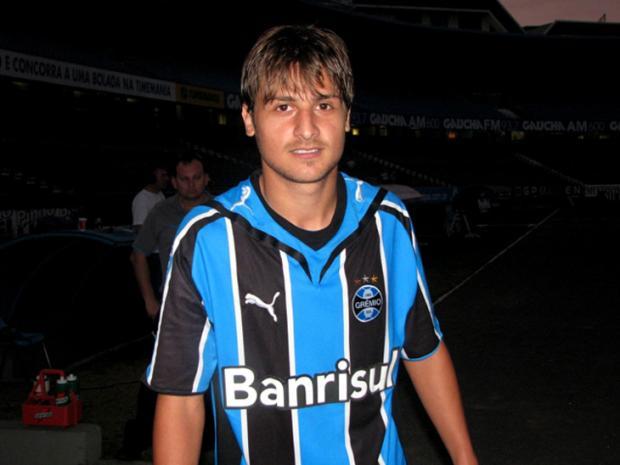 Jogador de Bento Gonçalves morre em acidente de trânsito no Paraná Vinicuius Rebello/