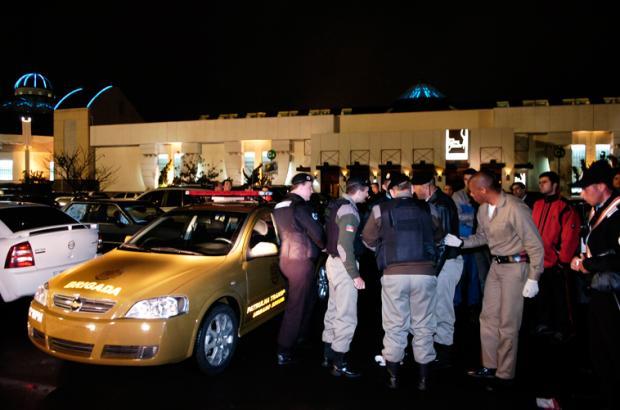 f66212df56c Assalto frustrado mobiliza BM e causa tensão em shopping de Caxias Ricardo  Wolffenbuttel