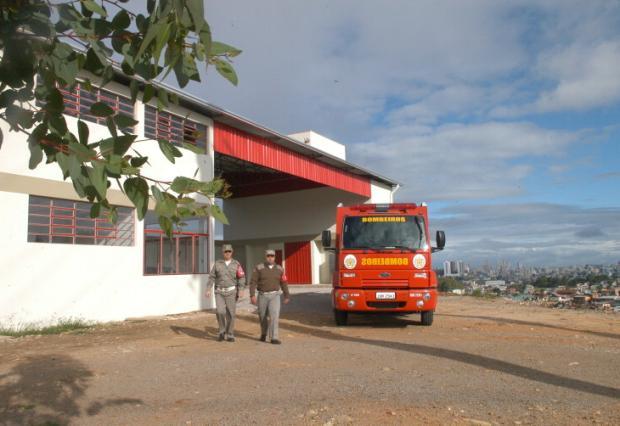 Novos bombeiros começam a atuar nesta quarta-feira na Serra Roni Rigon/