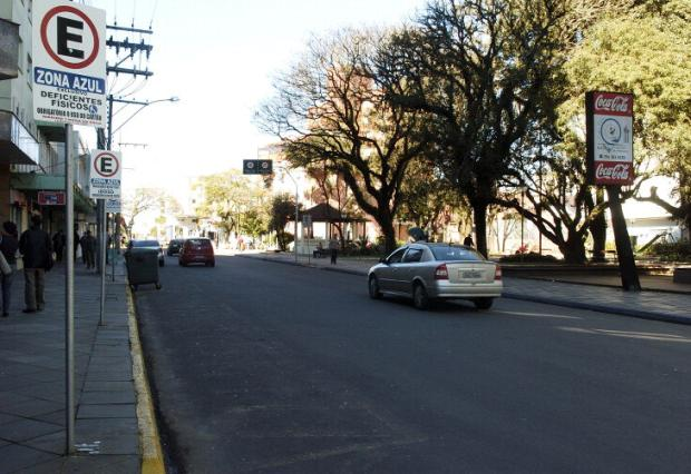Conselho de Trânsito vai propor ampliação do estacionamento rotativo em Farroupilha Tatiana Cavagnolli/