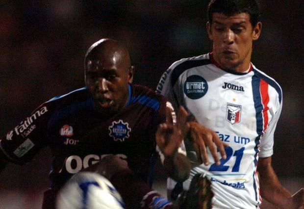 Waldison e Edson Rocha se apresentam ao Caxias nesta quinta-feira Juan Barbosa/