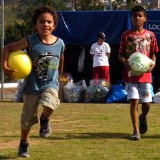 Crianças carentes de Caxias do Sul ganham presentes de Natal Tatiana Cavagnolli/